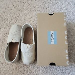 Toms Classic Tiny size 11